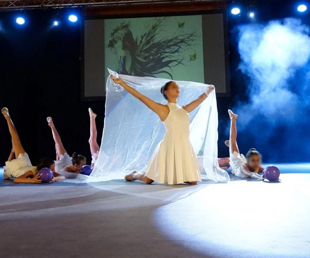éclairage-sonorisation-vidéo-gala-de-danse-chateauneuf-du-pape