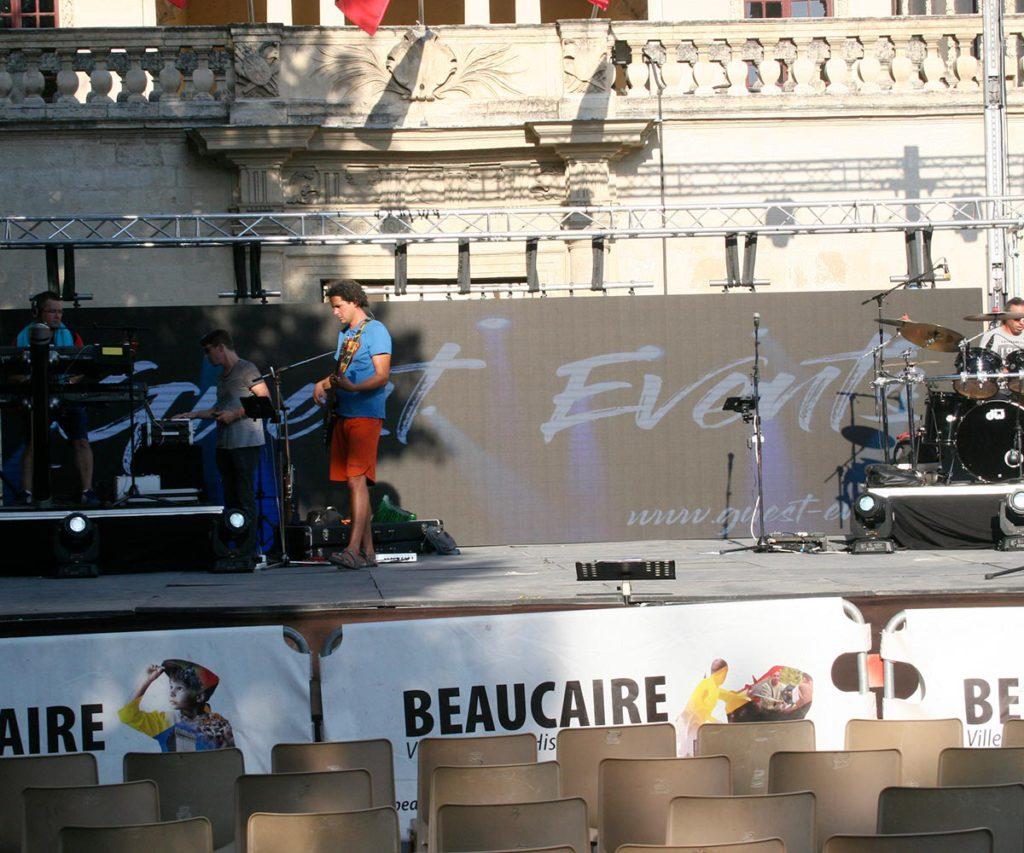 le-show-lorca-video-eclairage-sonorisation-beaucaire-2